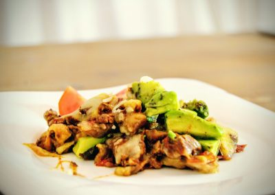 low carb avocado rindfleisch gericht