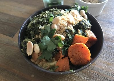 Vegane Beluga Linsen Curry Bowl