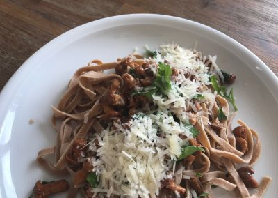 Low Carb Pasta – Tagliatelle mit Pfifferlingen